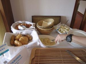 Glutenfreies Gebäck von dem auch die anderen Gäste zu gerne probieren wollten