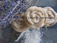 Rubbel dich schön: DIY-Lavendel-Bodyscrub