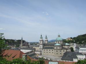 Blick vom Mönchsberg auf die Stadt